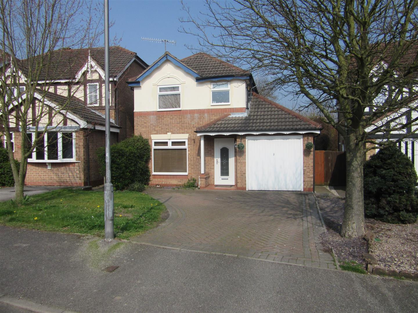 3 Bedrooms Detached House for sale in Jenny Burton, Hucknall, Nottingham